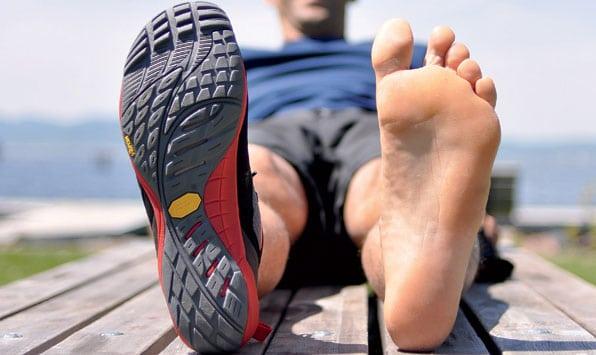 Chaussures minimalistes vs chaussures maximalistes (amortissantes) : Sommes nous tenté par le diable ?